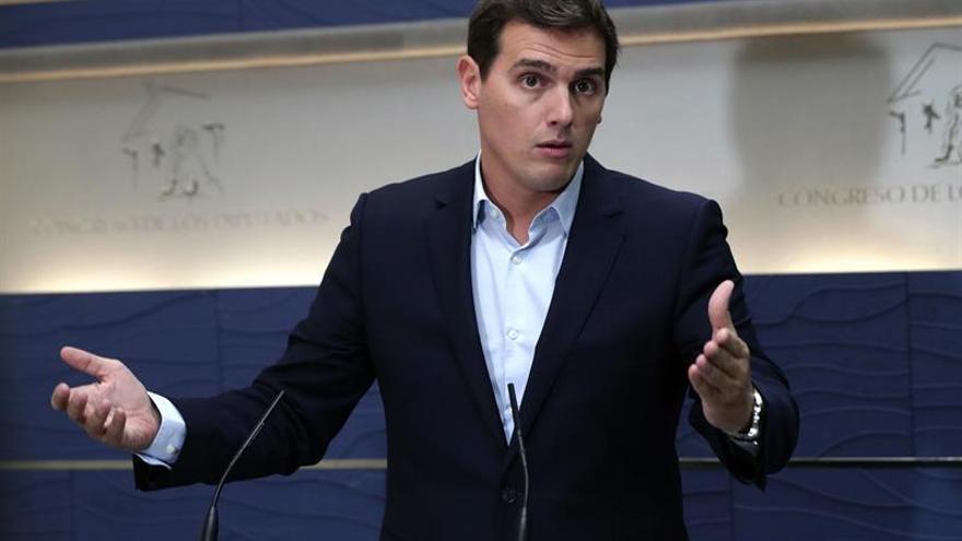 """Rivera: """"Puigdemont será culpable de la violencia si no para esta locura"""""""