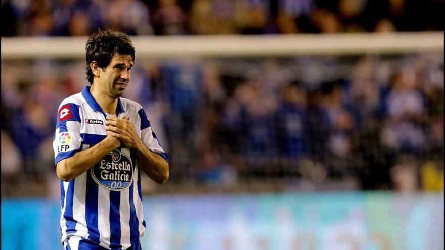 Juan Carlos Valeron durante su etapa como jugador del Deportivo de La Coruña. (Efe).