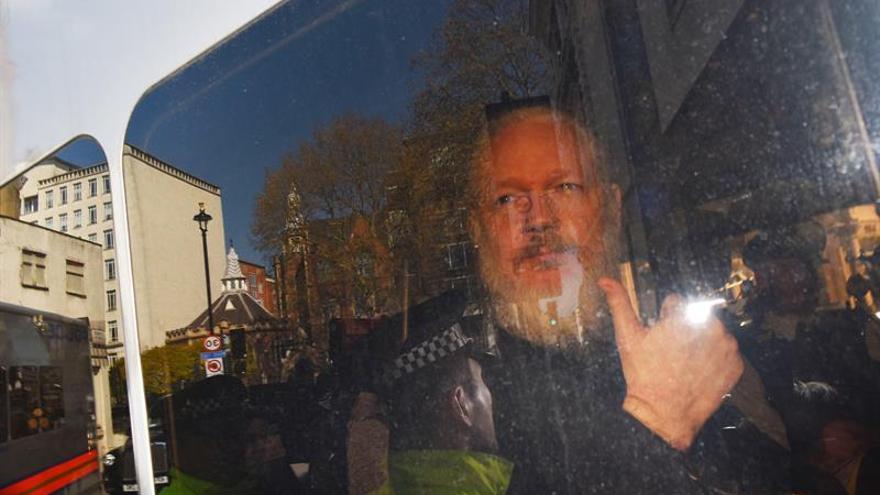 """EE.UU. acusa a Assange de """"conspirar para infiltrarse"""" en el sistemas del Gobierno"""