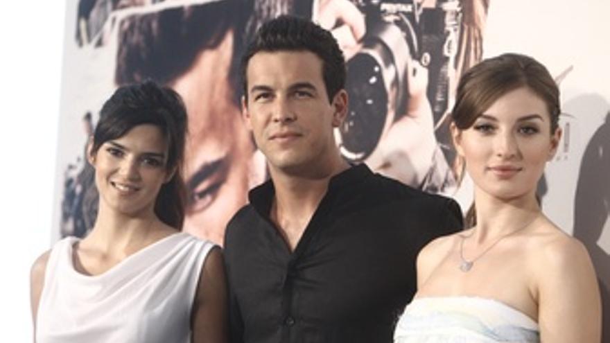 Mario Casas, Clara Lago y María Valverde