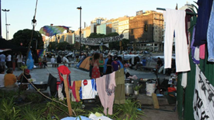 Campamento de protesta de la comunidad indígena qom La Primavera en la avenida 9 de Julio de Buenos Aires para reclamar su derecho sobre tierras ancestrales en la provincia argentina de Formosa.