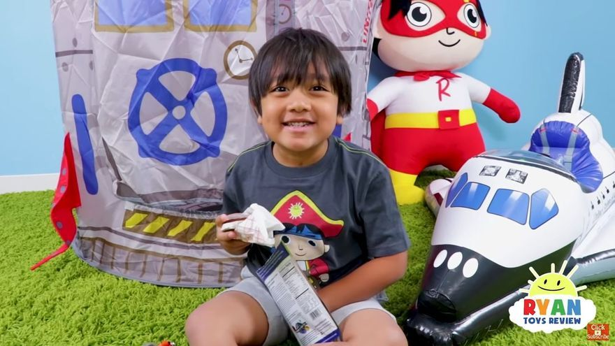 Fotograma del canal de YouTube Ryan ToysReview.