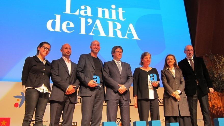 """Puigdemont en los 'Premis Ara': """"Un país libre necesita la prensa libre"""""""
