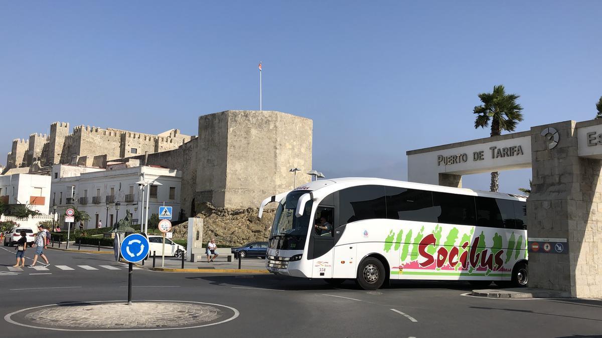 El autobús de Socibus en Tarifa