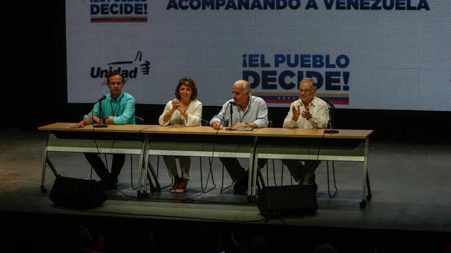 Los expresidentes observadores en la consulta opositora piden a Maduro que anule su plan