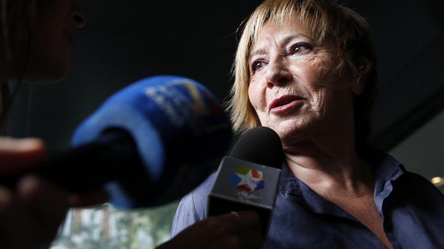 """Celia Villalobos insta a Iglesias a decidir si quiere estar """"dentro o fuera"""""""