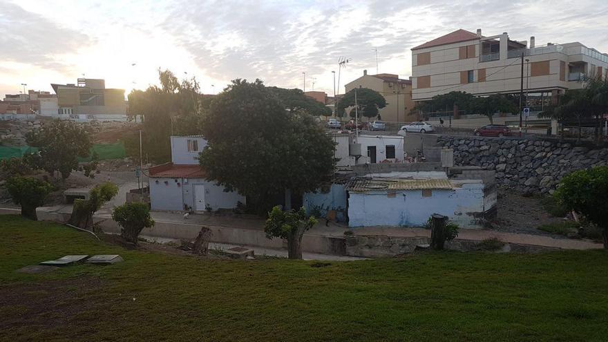 Viviendas afectadas por la construcción del nuevo aparcamiento de pago en Arguineguín.