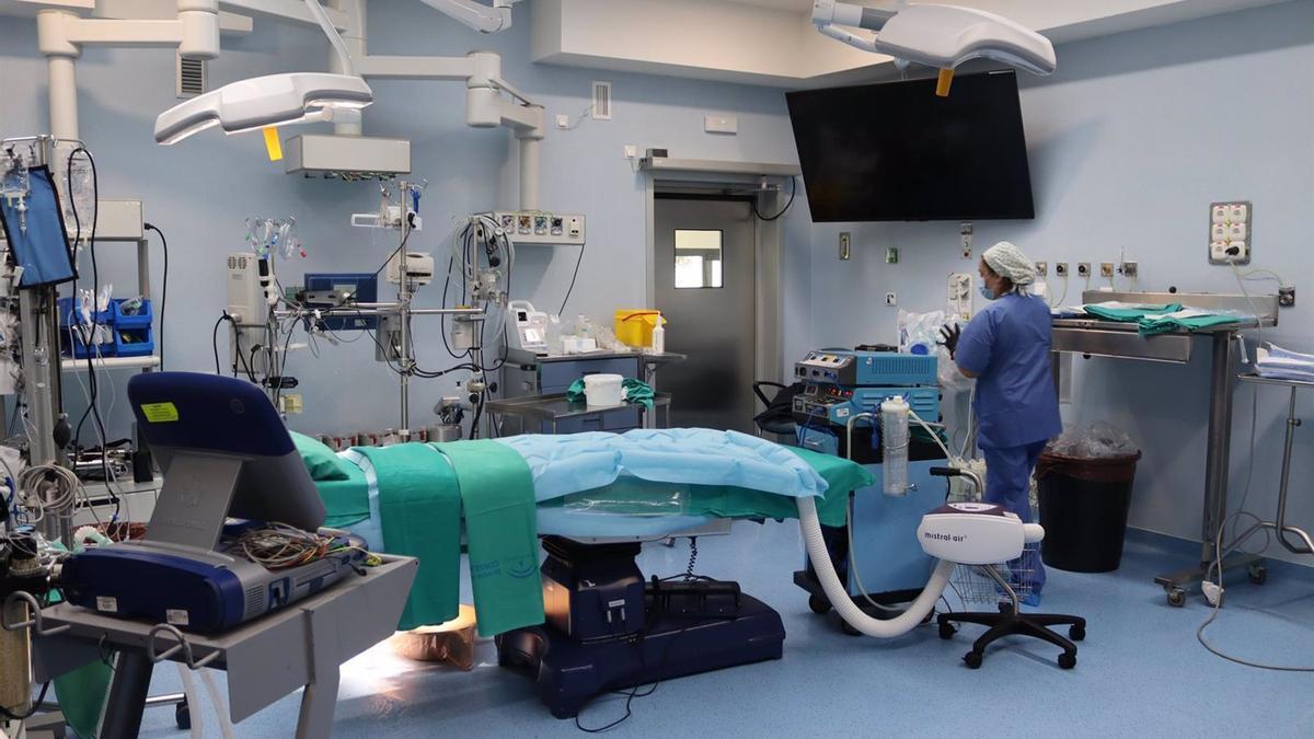 Sala de quirófano en el Hospital Reina Sofía.