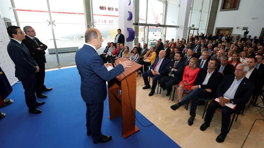 """Cardona quiere unos puertos """"líderes"""" gracias a sus """"fortalezas y potenciales"""""""