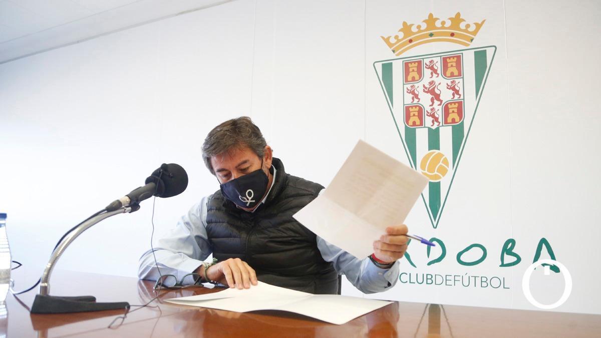Rueda de prensa de Javier González Calvo, consejero delegado del Córdoba