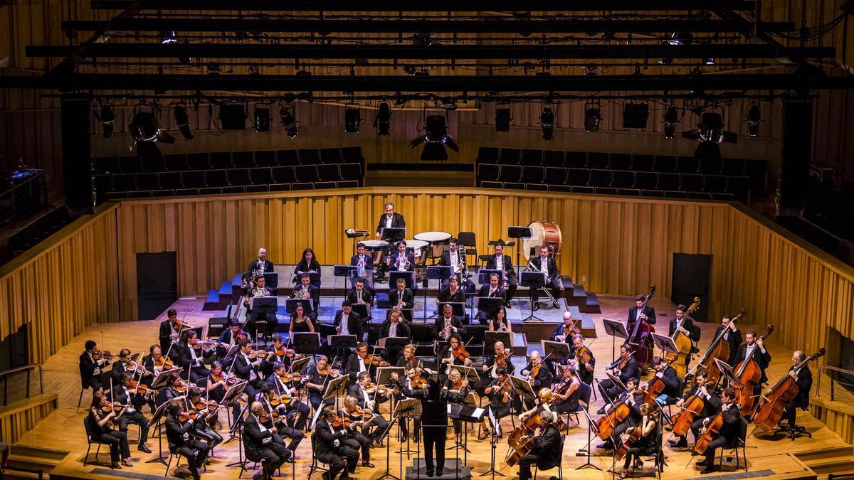 La Orquesta Filarmónica de Buenos Aires ofrecerá el concierto de reapertura del Teatro Colón.
