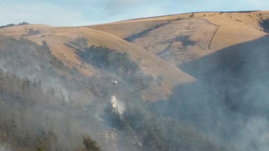 Sofocados tres fuegos en Liérganes, Valdeprado y Campoo de Suso y controlado otro en un eucaliptal en Yermo (Cartes)