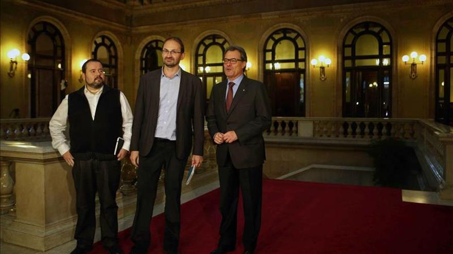 """ICV-EUiA exige la dimisión de Torres-Dulce por """"ceder al chantaje del PP"""""""