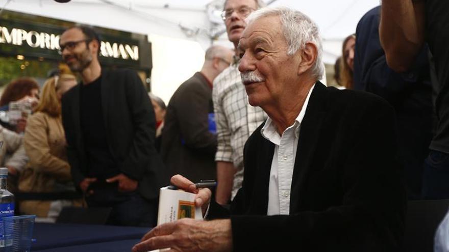 El flamante premio Cervantes, Eduardo Mendoza, ilumina a sus lectores