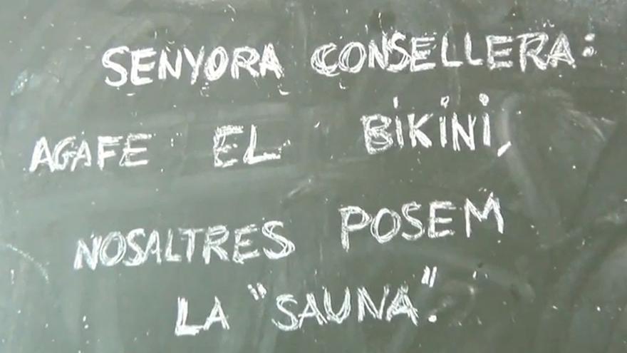 El vídeo acaba con un mensaje a la consellera de Educación, María José Català