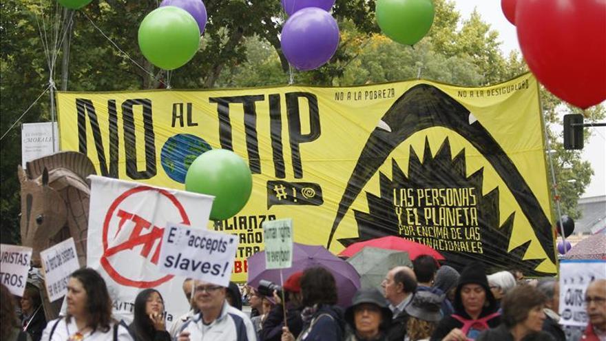 Multitudinaria manifestación en Madrid contra la pobreza