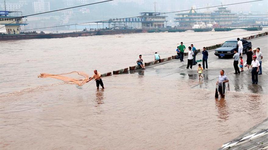 Aumentan a 78 muertos y 500 heridos las víctimas por tormentas en China