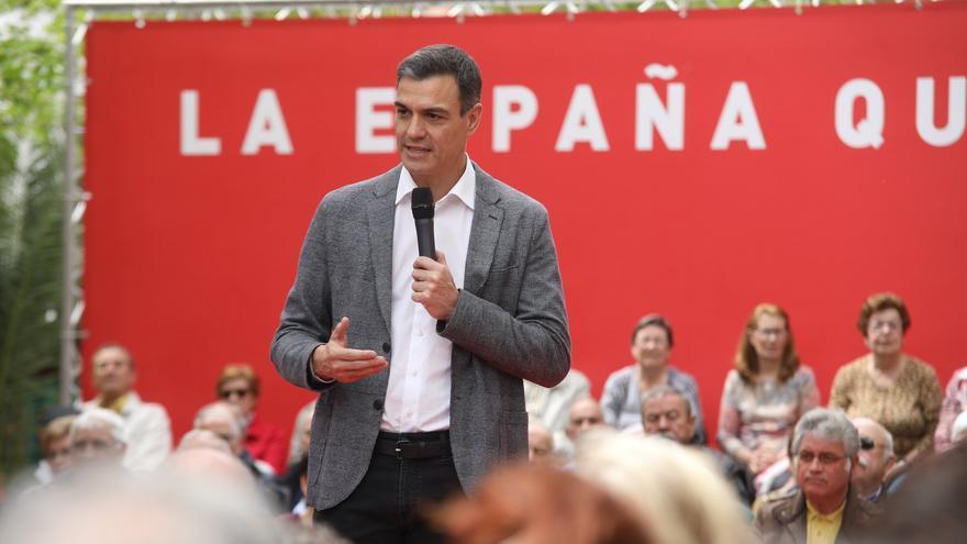 Pedro Sánchez en un acto en un centro de mayores en Leganés