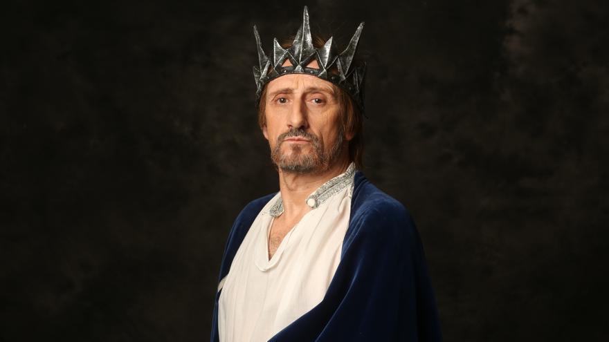"""José Luis Gil, un desdichado rey homosexual en """"Eduardo II, Ojos de Niebla"""""""