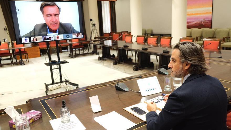 El presidente del Parlamento de Canarias se reúne con los eurodiputados canarios para abordar la crisis de la COVID-19.