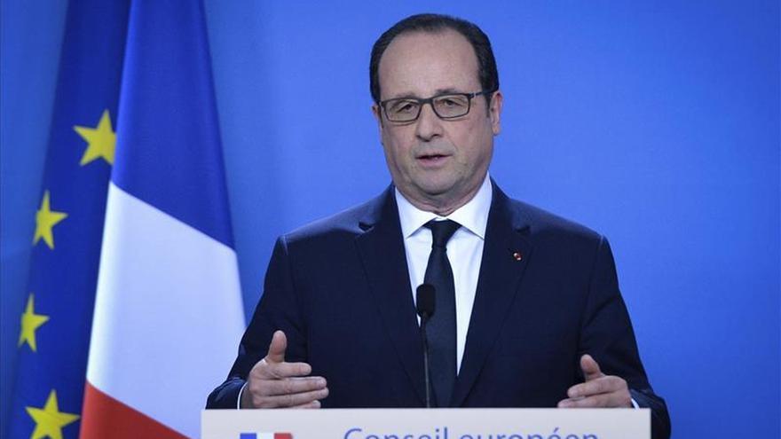 Hollande ofrece a Netanyahu mediar para retomar negociaciones con palestinos