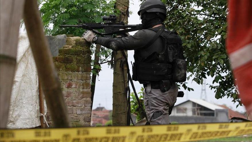 La Policía de Indonesia mata a cuatro terroristas y detiene a otros tantos