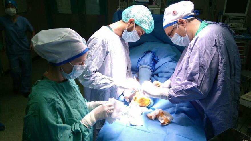 Voluntarios del equipo de Médicos del Mundo operando en Aloña durante la última entrada en Gaza, el pasado mayo | FOTO: Médicos del Mundo