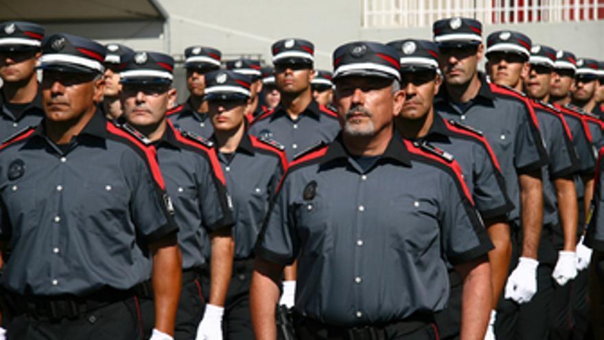 Miembros de la Policía canaria. (ACFI PRESS)