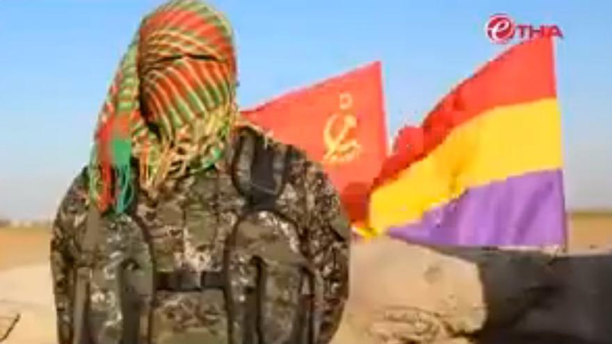 Imagen de uno de los españoles que combaten en las filas de las milicias kurdas de Siria.