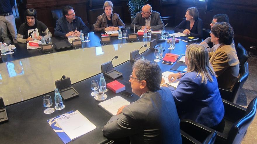 La Junta de Portavoces abordará la resolución de JxSí y CUP sin el PP constituido