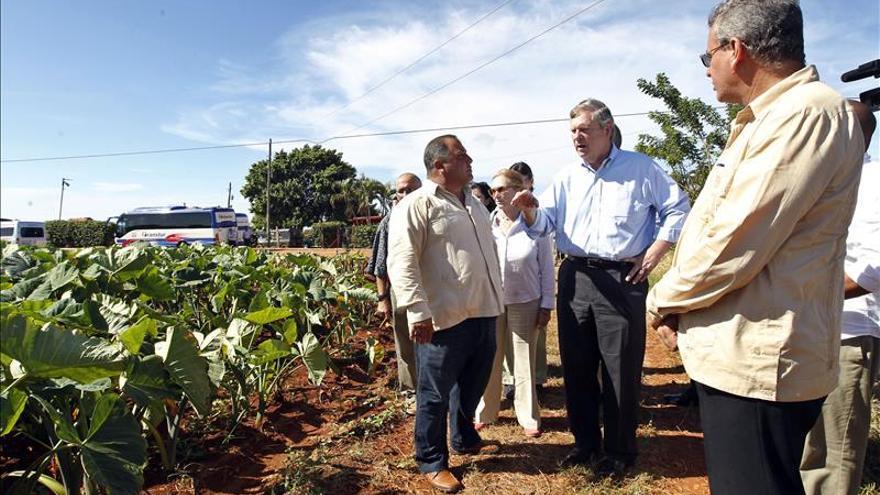 EE.UU. dispuesto a reducir las barreras al comercio agrícola con Cuba