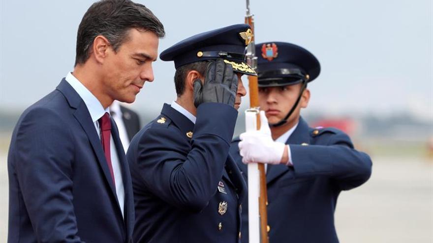 Pedro Sánchez llega a Bogotá para reunirse con Iván Duque
