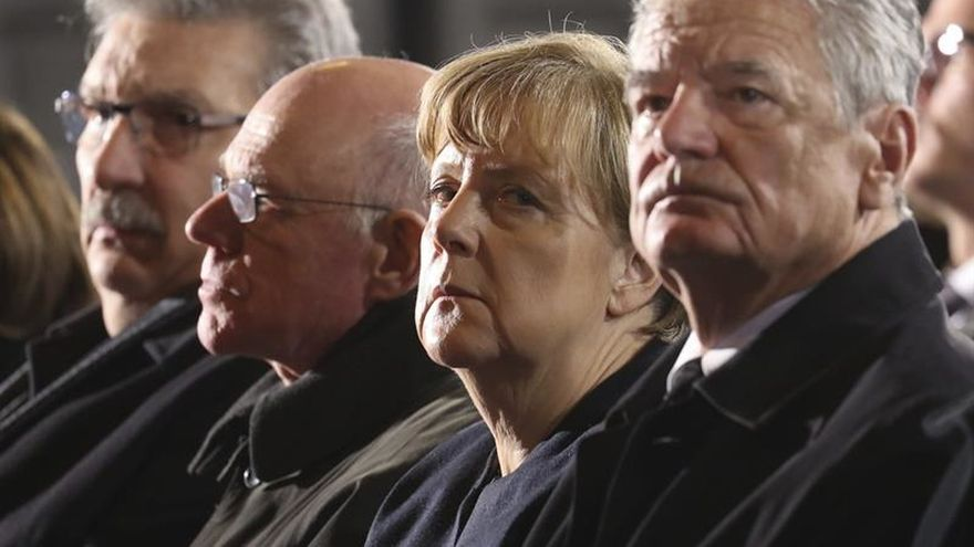 """Merkel avanza posibles cambios """"legales o políticos"""" tras el ataque de Berlín"""