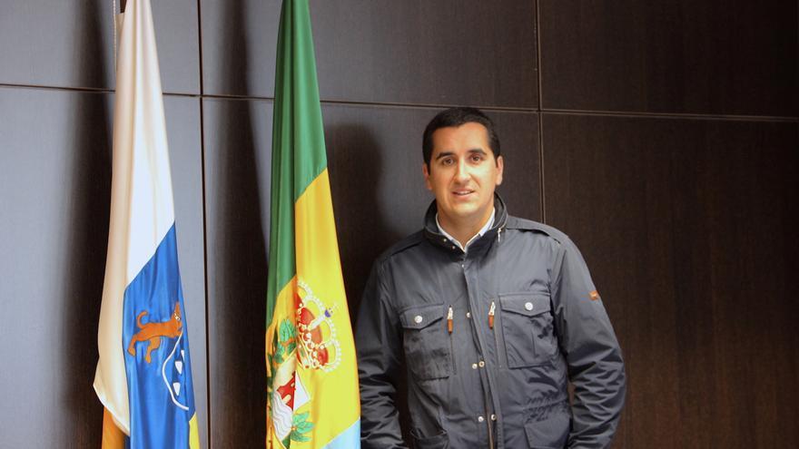 Borja Pérez es alcalde de Breña Baja.