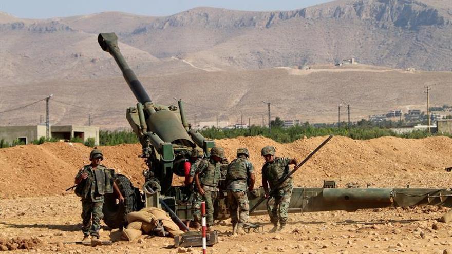El Ejército libanés ondea la bandera de España en la colina conquistada al EI