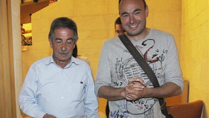 El PRC inicia los contactos para arrebatar el gobierno de Cantabria al PP