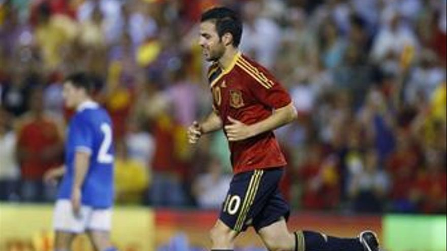 Cesc Fábregas, en un partido con la roja