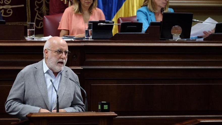 Manuel Marrero, en el Parlamento de Canarias