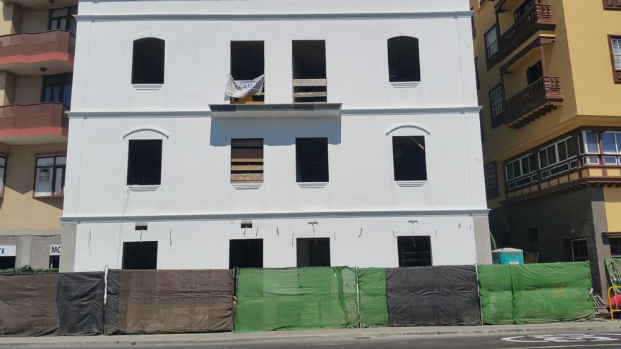 En la imagen, la obra del hotel de la Avenida Marítima. Foto: LUZ RODRÍGUEZ.