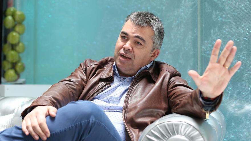 Santos Cerdán, secretario de organización del PSOE en Navarra y miembro del equipo de Pedro Sánchez, durante la entrevista.