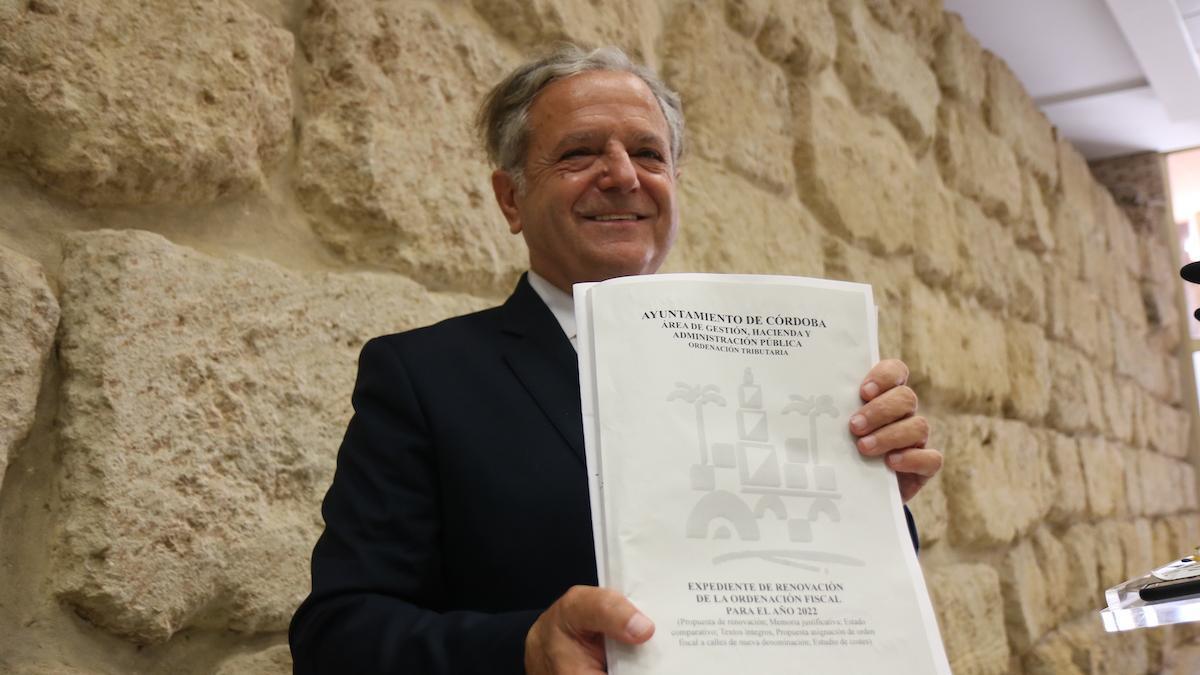 El concejal de Hacienda, Salvador Fuentes