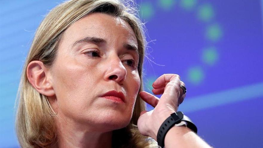 Mogherini admite discusiones sobre las sanciones a Rusia por los crímenes en Siria