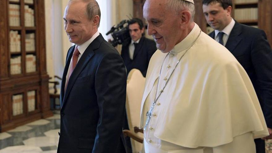 Putin felicita al papa Francisco por su 80 cumpleaños y le desea éxitos