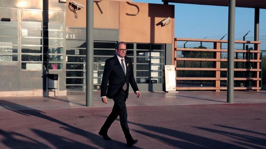 El president catalán, Quim Torra, saliendo de la cárcel de Lledoners tras una visita a los políticos presos