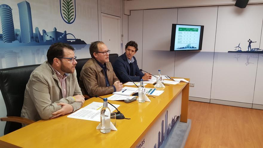 El director general de Movilidad, Heriberto Dávila, el concejal de Movilidad, José Eduardo Ramírez y el coordinador de Hacienda Economía y Contratación, David Gómez