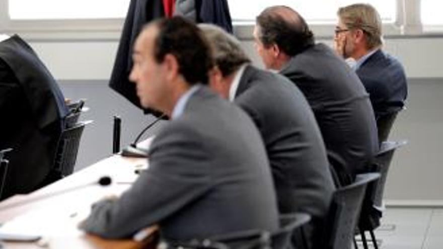 Pablo Broseta, al final, con los otros acusados Joaquín Maldonado, Noguera Puchol y Ernesto Moreno.