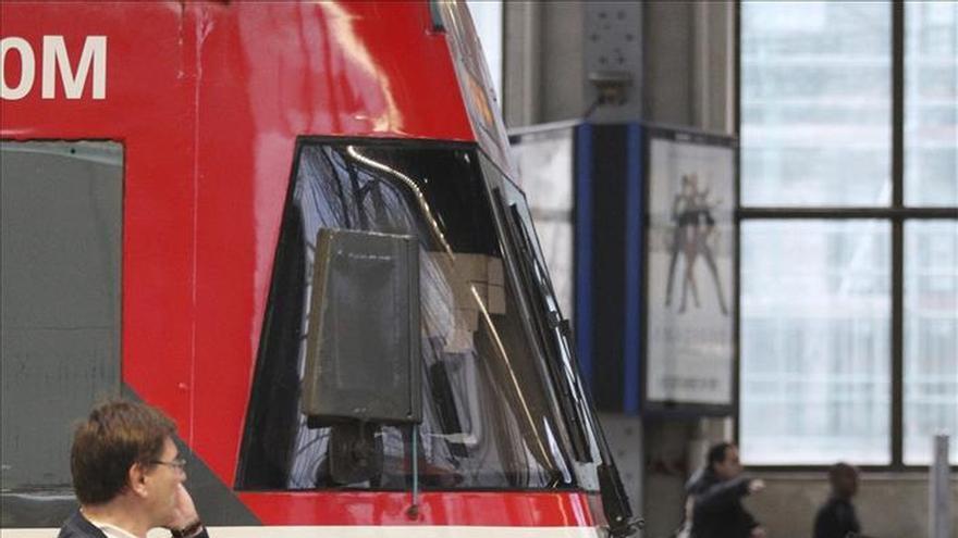 Heridas 27 personas en el choque de un tren mercancías en Bilbao con el tope de fin de vía