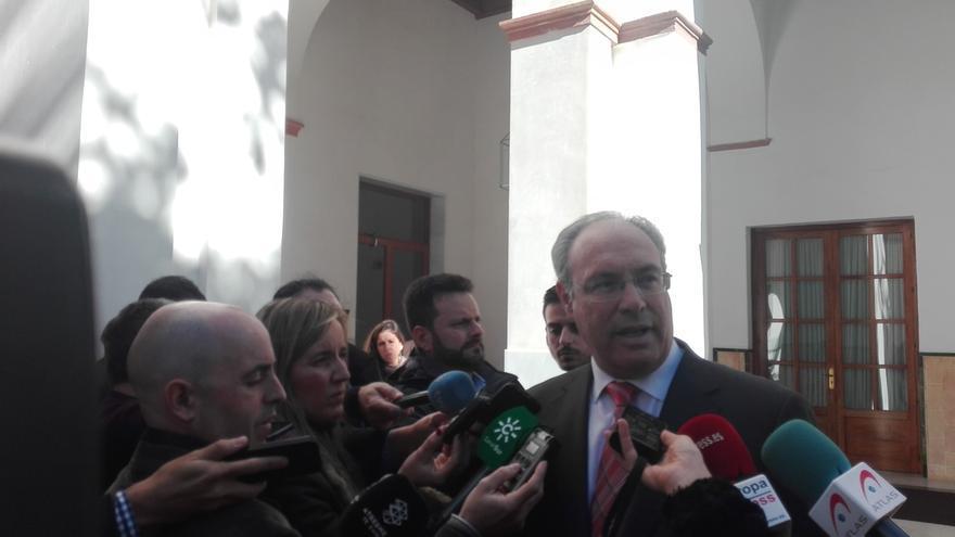 Durán llevará el martes a la Mesa los contratos del 35 aniversario del Parlamento andaluz, incluida la campaña del 4D