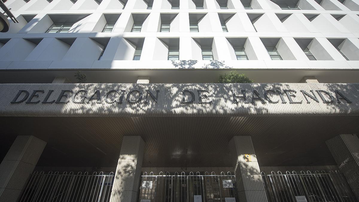 Delgación del Ministerio de Hacienda en el Bulevar del Gran Capitán.
