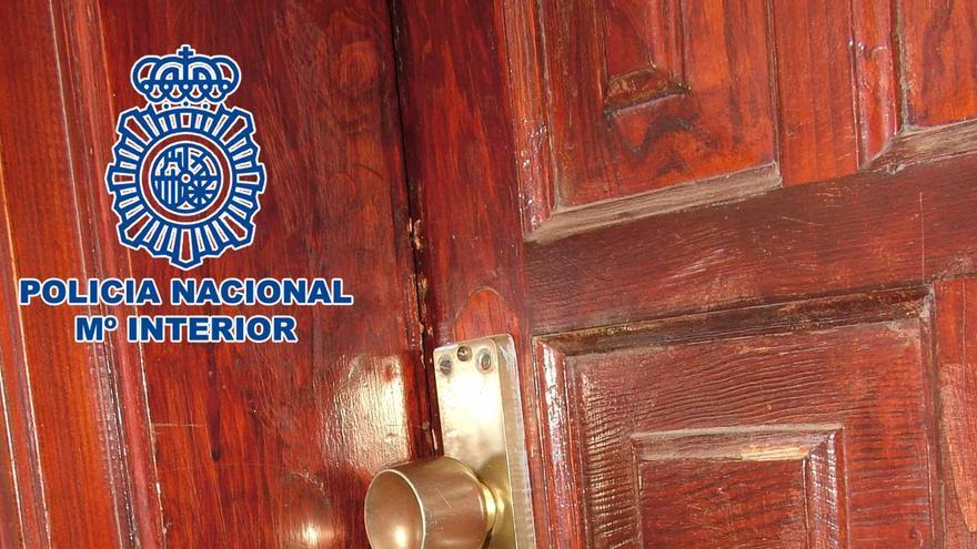 La Policía Nacional detiene a dos hombres tras intentar robar en una vivienda de Arrecife